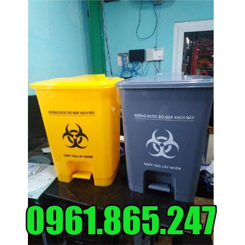 Thùng rác nhựa 25l đạp chân